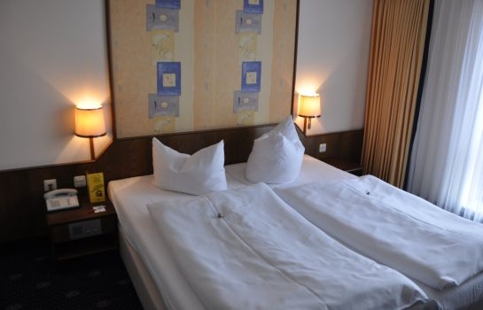 Double room (standard) CCH City-Club-Hotel