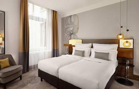 Chambre double (standard) Reichshof Hamburg Curio Collection by Hilton