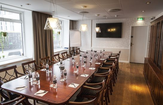 Sala de reuniones First Mayfair
