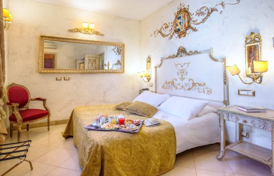 Double room (standard) Veneto Palace