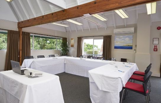 Meeting room Auckland Rose Park Hotel