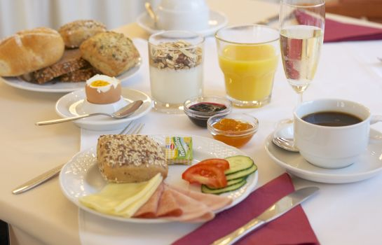 Breakfast buffet Drei Kronen Wien City
