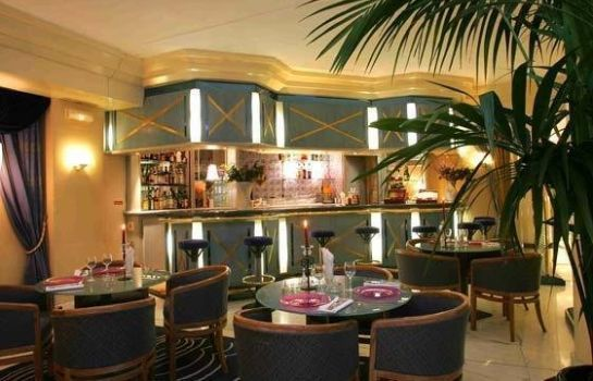 Hotel-Bar Royal Garden Champs Elysees
