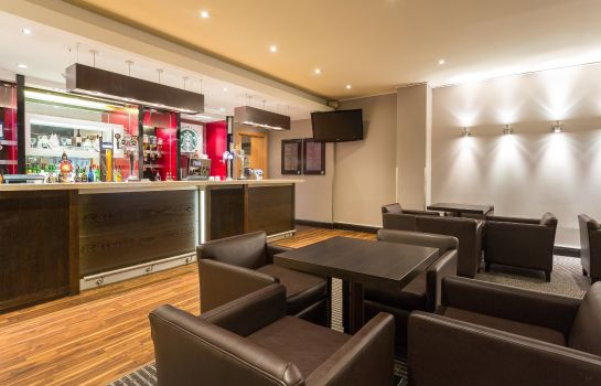 Bar del hotel Holiday Inn CAMBRIDGE