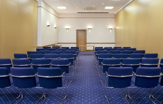 Conference room Holiday Inn FARNBOROUGH