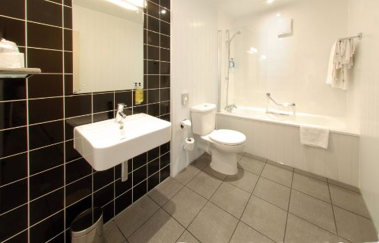 Bathroom Crown Hotel Harrogate