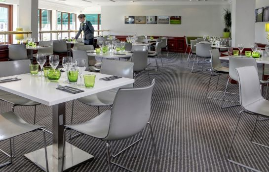 Restaurant Holiday Inn HULL MARINA