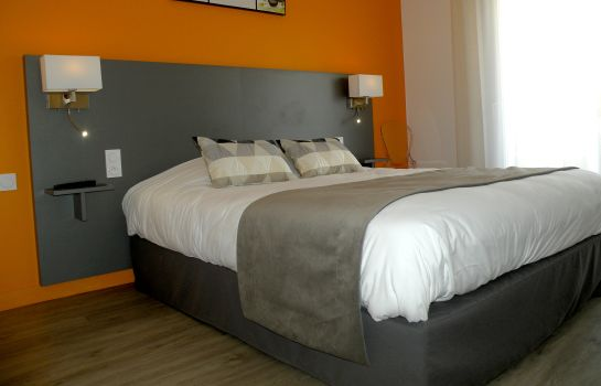Double room (superior) L Espadon Logis