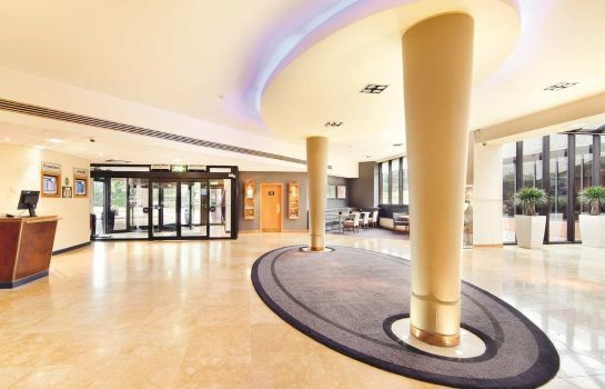 Lobby Hilton Manchester Airport