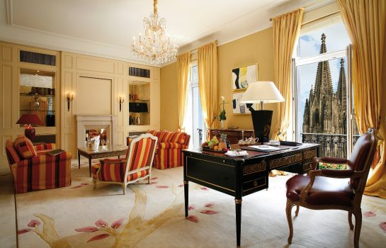 Suite Excelsior Hotel Ernst Leading Hotels of the World
