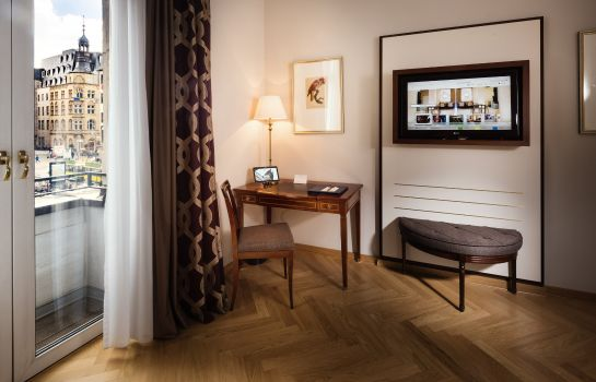 Zimmer Excelsior Hotel Ernst Leading Hotels of the World