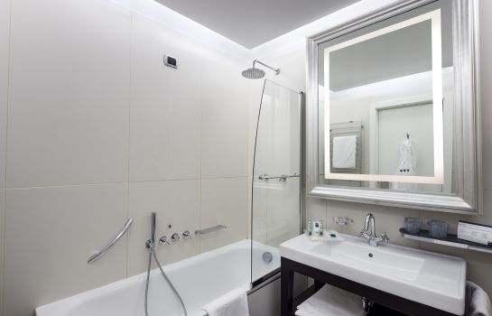 Double room (standard) UNAHOTELS Cusani Milano