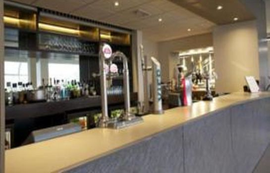 Bar hotelowy Park Inn By Radisson Bedford