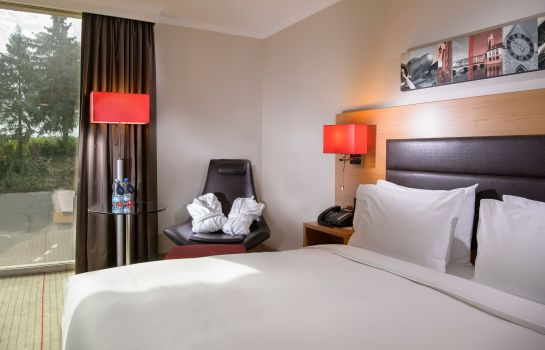 Double room (superior) Hilton Zurich Airport