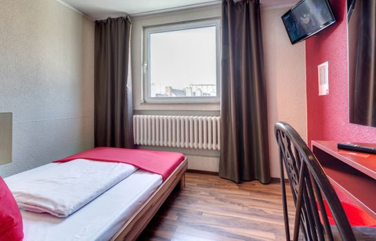 Single room (standard) SMARTY Cologne City Center