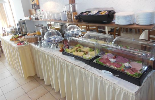 Breakfast buffet Herrenhof