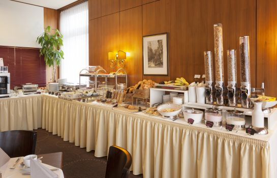 Breakfast buffet Best Hotel Zeller