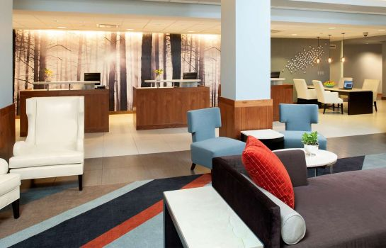 Hotelhalle DoubleTree by Hilton Chicago - North Shore Conference Center