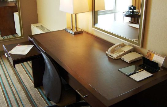 Room DoubleTree by Hilton Chicago - North Shore Conference Center