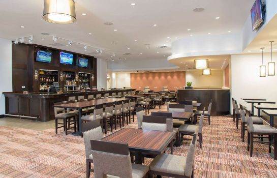 Hotel-Bar DoubleTree by Hilton Grand Rapids Airport