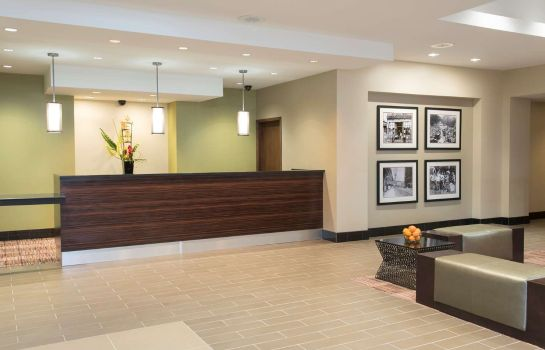 Lobby DoubleTree by Hilton Grand Rapids Airport