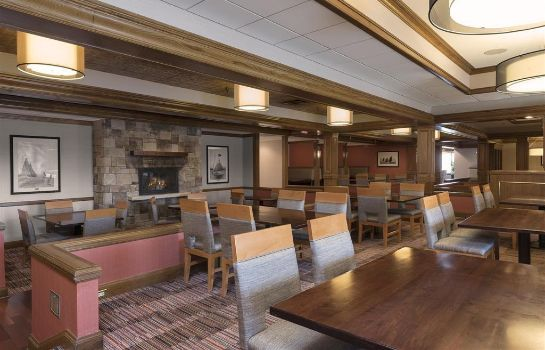 Restaurant DoubleTree by Hilton Grand Rapids Airport