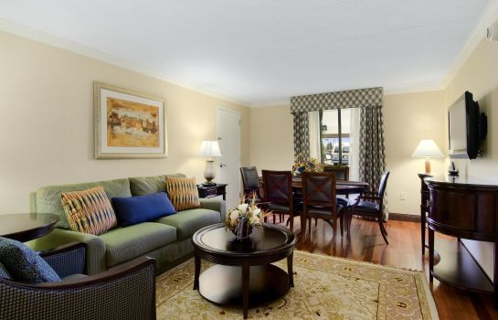 Suite DoubleTree by Hilton Grand Rapids Airport