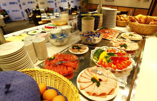 Breakfast buffet Stadthotel Engel