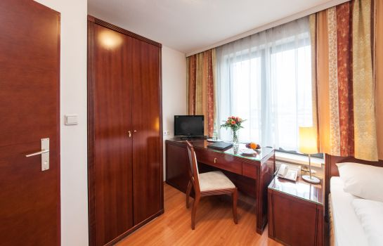 Single room (standard) Novum Hotel Congress Wien am Hauptbahnhof