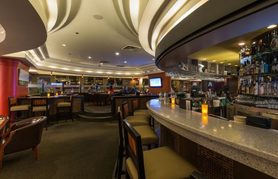 Bar del hotel Harbour Towers Victoria