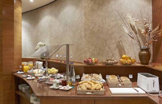 Breakfast buffet Exe Mitre