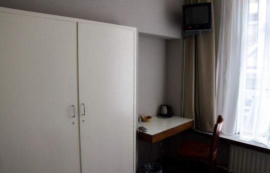 Single room (standard) Grand Hotel Central