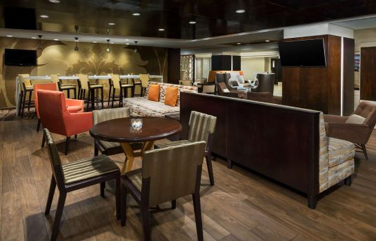 Bar del hotel DoubleTree by Hilton Metropolitan - New York City