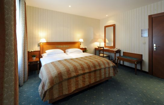 Chambre double (standard) Golf-Hotel Rene Capt