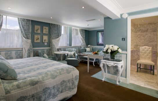 Suite The Montague on the Gardens Red Carnation Hotel
