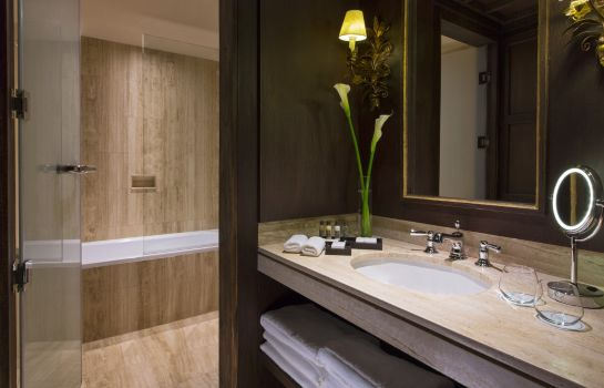 Bathroom Palacio del Inka a Luxury Collection Hotel Cusco