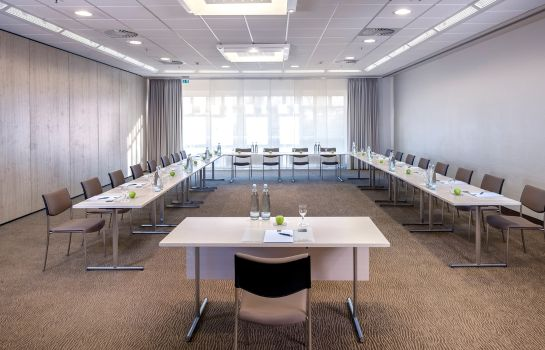 Conference room Essential by Dorint Frankfurt-Niederrad