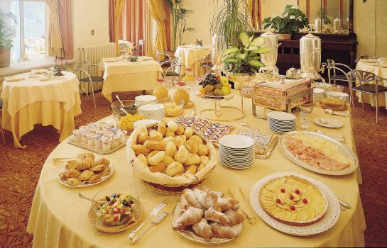 Ontbijtbuffet Palace Grand Hotel Varese