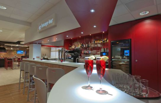 Hotel-Bar CAMPANILE LYON SUD - Confluence - Oullins
