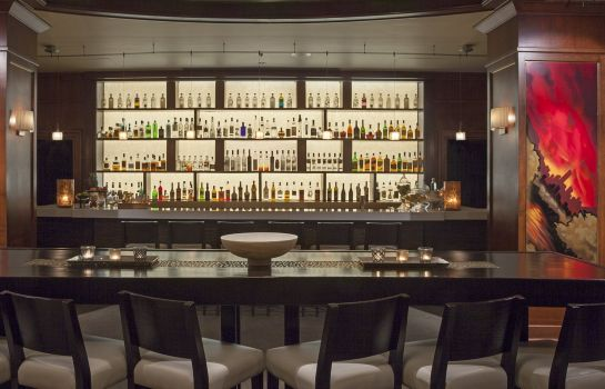 Hotel bar InterContinental Hotels TORONTO YORKVILLE