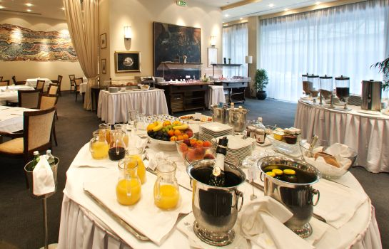 Breakfast buffet Grand Hotel Bonavia