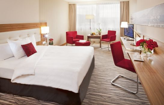 Single room (superior) Moevenpick Hotel & Casino