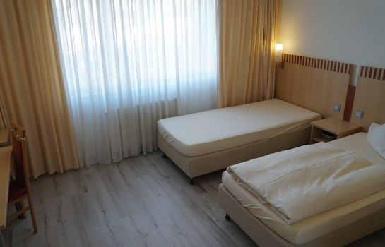 Single room (standard) Bach Hotel