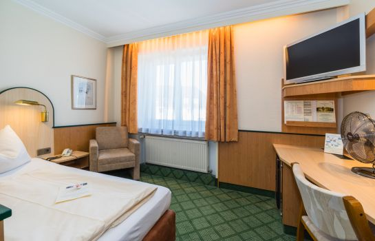 Single room (standard) Crombach Parkhotel