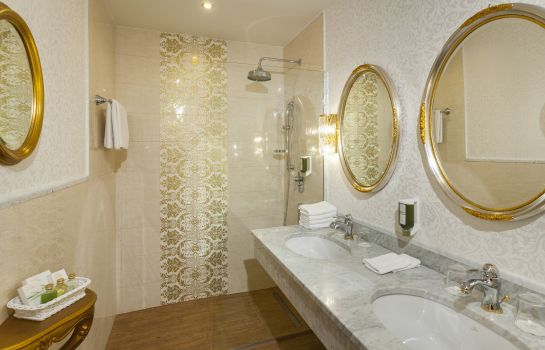 Chambre double (standard) Parkhotel Graz – Traditional Luxury