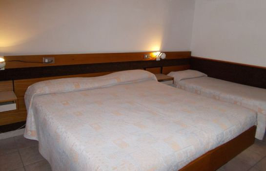 Triple room Hotel Holidays