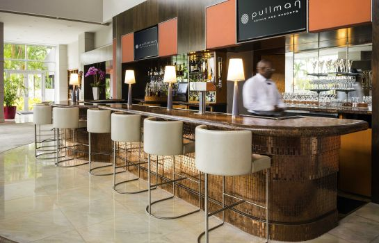 Hotel bar Pullman Miami Airport