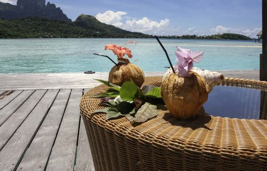 Hotel bar Sofitel Bora Bora Private Island