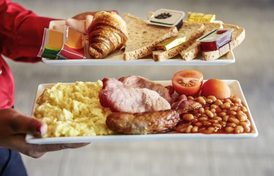 Buffet prima colazione ibis London Heathrow Airport