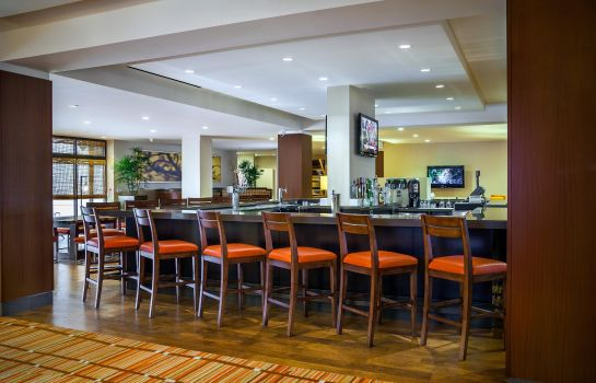 Hotel bar DoubleTree by Hilton San Francisco Airport